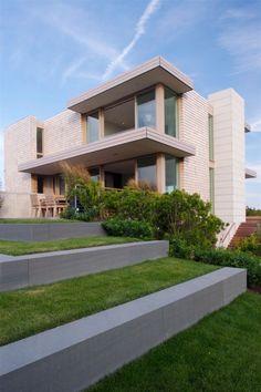 Modernes Haus Dünen terrassen treppen bepflanzt