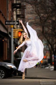 Dance As Art- The New York City Dance Photography Project Street Dance Photography, Modern Dance Photography, Ballet Dance Photography, New York Photography, Color Photography, Photography Ideas, Dance Picture Poses, Dance Photo Shoot, Dance Poses