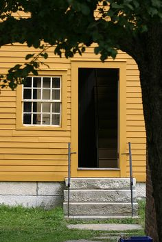Yellow House, Hancock Shaker Village by Paul, Petra and Bea, via Flickr