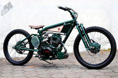 indonesian gl100 bobber - right | dariztdesign
