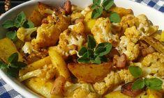 Syrový květák rozebereme na růžičky. Oškrábané brambory nakrájíme na klínky a slaninu na kostky. Pečící papír dáme do pekáčku.Olej smícháme se... Pasta Salad, Potato Salad, Healthy Life, Cauliflower, Good Food, Food And Drink, Treats, Vegetables, Cooking