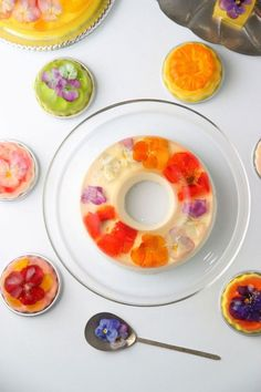 Flowery Bavarian Desserts - A Tokyo Bakery Sells Sweets to Pretty to Eat (GALLERY)