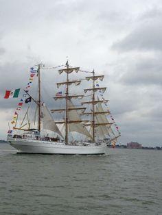 The Cuauhtemoc (Mexico) sails away...