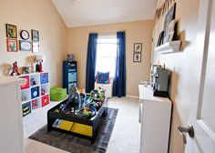 this Super Hero playroom is pretty awesome! Great details!
