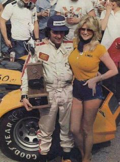 Gosh, Richie, nice work if you can find it! Was Linda Vaughn the hottest babe ever? She is certainly in the discussion. Car Show Girls, Car Girls, Nascar Racing, Drag Racing, Auto Racing, Linda Vaughn, Truck Caps, Vintage Racing, Vintage Ads