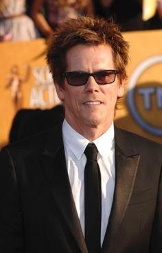 Kevin Bacon in a black Tuxedo - 2012 Sag Awards