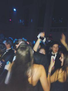 High School Parties, Teenage Parties, College Parties, Night Vibes, Night Aesthetic, Partying Hard, School Dances, Teen Life, Cute Friends