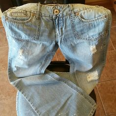 Excellent Amethyst Jeans These jeans are in excellent condition. 32' inseam. Very stylish pair of jeans. Amethyst  Jeans Flare & Wide Leg