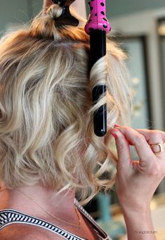 hair hair hacks How to Curl Your Hair & Make I Pretty Hairstyles, Easy Hairstyles, Curled Bob Hairstyle, Hairstyles Videos, Curling Wand Hairstyles, Curled Hairstyles For Medium Hair, Wedding Hairstyles, Fringe Hairstyle, Wavy Bob Haircuts
