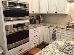 Kitchen Tops, Kitchen Cabinets, Kitchen Appliances, Wall Oven, Facebook, Home Decor, Diy Kitchen Appliances, Home Appliances, Decoration Home