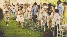 As alianças estavam nos ursinhos!  Do post:  Casamento no Sítio - Mariana e João Foto: Mansano Fotografia
