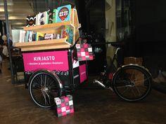 Kirjastofillari tarvitsee tietysti myös näpsäkät kotimaiset paperikassit!  Paper carrier bag made for library on wheels in Helsinki. Space Architecture, Helsinki, Landscaping, Traveling, Spaces, Design, Art, Viajes, Art Background