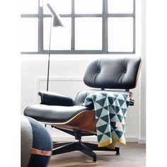 Eames Lounge Chair Und Ottomane   Schwarz Mit Rosenholz   Konferenzraum    Warteraum Stilvoll Möbel Sofa