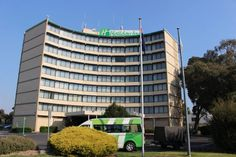 Holiday Inn Melbourne Airport Hotel Review by Wilson Travel Blog Airport Hotel, Hotel Reviews, Melbourne, Hotels, Holiday, Blog, Travel, Vacations, Viajes