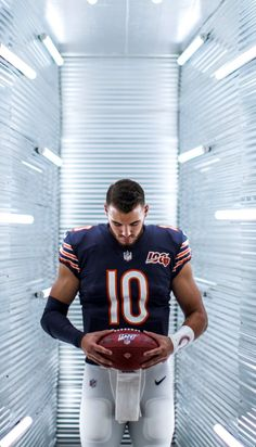 Looking firward to 2019 Season Bears Football, Football Players, Chicago Bears Pictures, Football Wallpaper, Sports Stars, Nfl, Hockey, Baseball, Biscuit