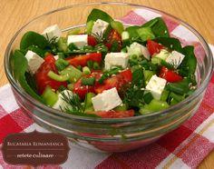 Salata de spanac Appetizer Recipes, Salad Recipes, Appetizers, Caprese Salad, Cobb Salad, Romanian Food, Recipe Box, Bon Appetit, Yummy Food
