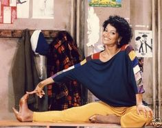 In honor of Black History Month, Pretty Girl Rock Dresses will spot light one of our divas past and present. Today's Diva is Debbie Allen. Phylicia Rashad, Debbie Allen, Donald O'connor, Famous Dancers, The Cosby Show, Dance Movies, Fred And Ginger, Pretty Girl Rock, Black Actresses