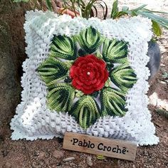 Nenhuma descrição de foto disponível. Crochet Earrings Pattern, Crochet Edging Patterns, Crochet Pillow Pattern, Crochet Cushions, Crochet Squares, Crochet Motif, Knitting Patterns Free, Crochet Flowers, Crochet Stitches