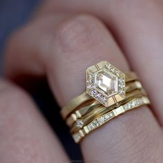 not the big one the one at the bottom! Jewelry Rings, Jewelery, Fine Jewelry, Heart Engagement Rings, Groom Shoes, Rose Gold Diamond Ring, Art Deco Ring, Rock Candy, Emeralds