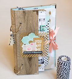 Un nouveau kit mini en boutique + des promos pour les groupes et assos Mini Albums Scrapbook, Travel Scrapbook, Scrapbook Paper Crafts, Scrapbook Cards, Scrapbook Journal, Cumpleaños Diy, Minis, Album Book, Happy Mail