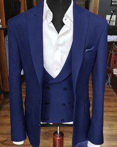 Blue/Black/Wine Red Mens Formal Suits 3 Pieces For Wedding Groom Party Tuxedos Formal Prom Suits, Prom Suits For Men, Men Formal, Royal Blue Suit, Blue Suit Men, Navy Blue, Classic Wedding Dress, New Wedding Dresses, Wedding Men
