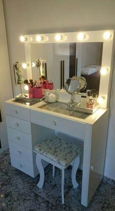 15 Cool Bedroom Vanity Design Ideas bedroom vanity, vanity in bed. Bedroom Makeup Vanity, Makeup Rooms, Vanity Room, Bedroom Closet Design, Room Decor Bedroom, Bedroom Ideas, Master Bedroom, Vanity Drawers, Diy Drawers