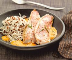 Red mullet fillets with pepper coulis - Marc Jez - - Filets de rougets au coulis de poivron Recipe with trick of Cyril Lignac: Red mullet fillets with pepper coulis Shellfish Recipes, Meat Recipes, Seafood Recipes, Healthy Recipes, Chefs, Good Food, Yummy Food, Island Food, My Best Recipe