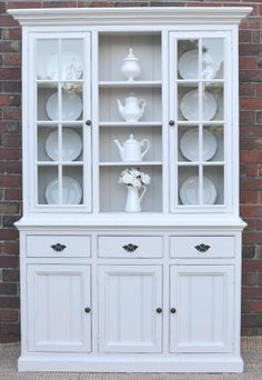 FRENCH PROVINCIAL COUNTRY HAMPTONS BUFFET AND HUTCH SIDEBOARD - WHITE PINE