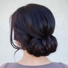 ideas for hair styles bridesmaid updo low chignon Fancy Hairstyles, Bride Hairstyles, Hairstyles For Long Hair Wedding, Vintage Wedding Hairstyles, Bridesmaid Updo Hairstyles, Bridesmaids Updos, Vintage Updo, Simple Bridesmaid Hair, Classic Hairstyles