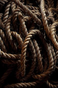 Image about rope in lit ; six of crows by d i a n a Half Elf, Foto Macro, Six Of Crows, Brown Aesthetic, Black Sails, Pirate Life, Pirates Of The Caribbean, Earth Tones, Textures Patterns