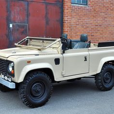 Land Rover Ninety Defender 90, Land Rover Defender, Cool Vintage, Land Rover Series 3, Best 4x4, Range Rover Classic, Porsche, Off Road, Land Cruiser