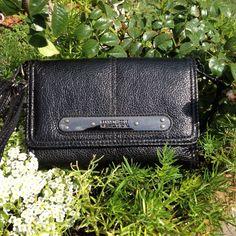 Kenneth Cole Reaction Black Wristlet / Wallet