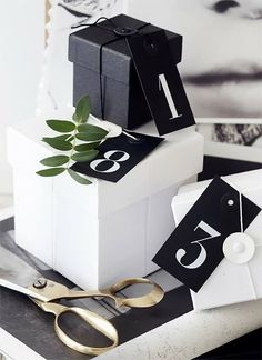 Design | A black-and-white Christmas #Journal #AmericanVintage