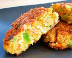 Sencilla receta de hamburguesa vegetariana hecha con quinoa, fácil y sabrosa. Coberturas opcionales: aguacate, el cilantro, etc. Leer receta...