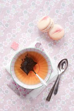 Loose leaf tea, macaroons and pastel girly accents?! Perfect.
