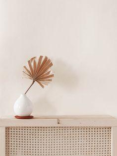 DIY Mueblecito con cannage - Fábrica de Imaginación · Diseño DIY Home Office, House, Interiors, Inspiration, Color, Home Decor, Wooden Crates, Furniture, Diy Decorating