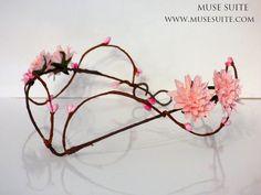 FANTASY COLLECTION. Tiara hecha a mano, Se pueden hacer diseños personalizados.  #elven #elvish #elf #elfo #elfico #elfica #corona #crown #tiara #diadem #diadema #circlet #medieval #elventiara #elfcrown #elvish #celta #flores #diademadeflores #elvishtiara #faun #faery #fairy #fauno #bosque #inspiration #hada #inspiración #joyería #joyas #musesuite #elfjewelry #etsy #etsyshop #etsyfinds #etsyseller #etsylove #comunion #boda #woodland