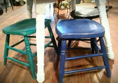 turn broken chairs into stools Funky Furniture, Repurposed Furniture, Kids Furniture, Furniture Making, Furniture Makeover, Cool Chairs, Awesome Chairs, Refurbished Chairs, Cozy Reading Corners