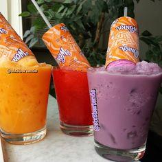 """""Six's Drunken Push-Pops"" #six8drinks  Ice, orange ice cream, #uvorange Ice, purple ice cream, #uvgrape Ice, vanilla ice cream,  uvcherry, cherry syrup…"""