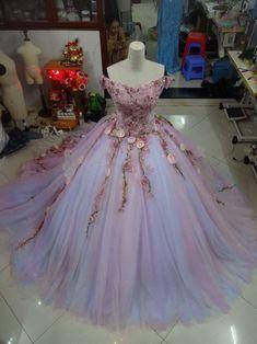Rapunzel Wedding Dress - Wedding Dress Inspried - Wedding Dress - Ballgown can find Rapunzel and more on our website. Ball Gown Dresses, 15 Dresses, Pretty Dresses, Evening Dresses, Afternoon Dresses, Flapper Dresses, Dresses For Balls, Pink Evening Dress, Smocked Dresses