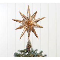 Pottery Barn Gold Mirrored Star Tree Topper ($59) ❤ liked on Polyvore featuring…