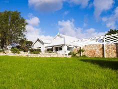 Camilla And Michael S British Inspired Byron Bay Wedding Locations Weddings