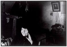 "Woman and her portrait. ""A Greek Portfolio"" © Costa Manos/Magnum Photos"