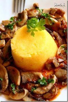 Tocanita de ciuperci cu mamaliga - Mushroom stew with polenta