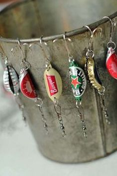 cap fishing lures {handmade christmas presents for men} Little Hooligans) Bottle cap fishing lures {handmade christmas presents for me.Bottle cap fishing lures {handmade christmas presents for me. Handmade Christmas Presents, Homemade Christmas Gifts, Man Christmas Gift Ideas, Christmas Presents For Guys, Birthday Presents For Guys, Diy Christmas Gifts For Men, Brother Presents, Boyfriend Presents, Christmas Crafts