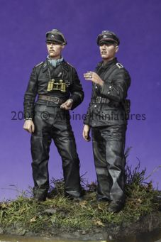 Late War SS tank crew from Alpine Miniatures. Click on the picture for more details