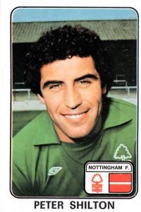 Nottingham Forest goalkeeper Peter Shilton in Football Cards, Football Players, Baseball Cards, Nottingham Forest Fc, Everton Fc, Goalkeeper, 1970s, How To Look Better, Sports