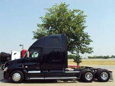 2011 tractor Freightliner #truck #freightliner  EquipmentReady.Com http://equipmentready.com/trucksforsale