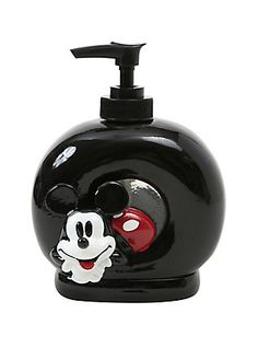 Mickey Mouse knows the importance of good hygiene, so he's just hanging out, looking cute, making sure you wash your hands. Mickey House, Mickey Minnie Mouse, Mickey Mouse Bathroom, Disney Bedrooms, Disney Cups, Estilo Disney, Disney Home Decor, Christmas Mom, Toys For Girls