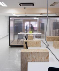 Coworking Magma Espacio / equipoeme estudio #Magma #Espacio #coworking #equipoeme #interiorismo #oficina #diseño #Ourense Co Working, Bathtub, Bathroom, Interior Design Studio, Offices, Projects, Studios, Standing Bath, Washroom